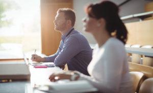 5 cosas que hay que saber sobre estudiar carreras ejecutivas