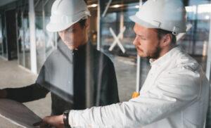 Conocer cómo se diferencia la ingeniería Industrial de la Civil Industrial es clave para tomar una decisión acertada sobre qué carrera elegir.